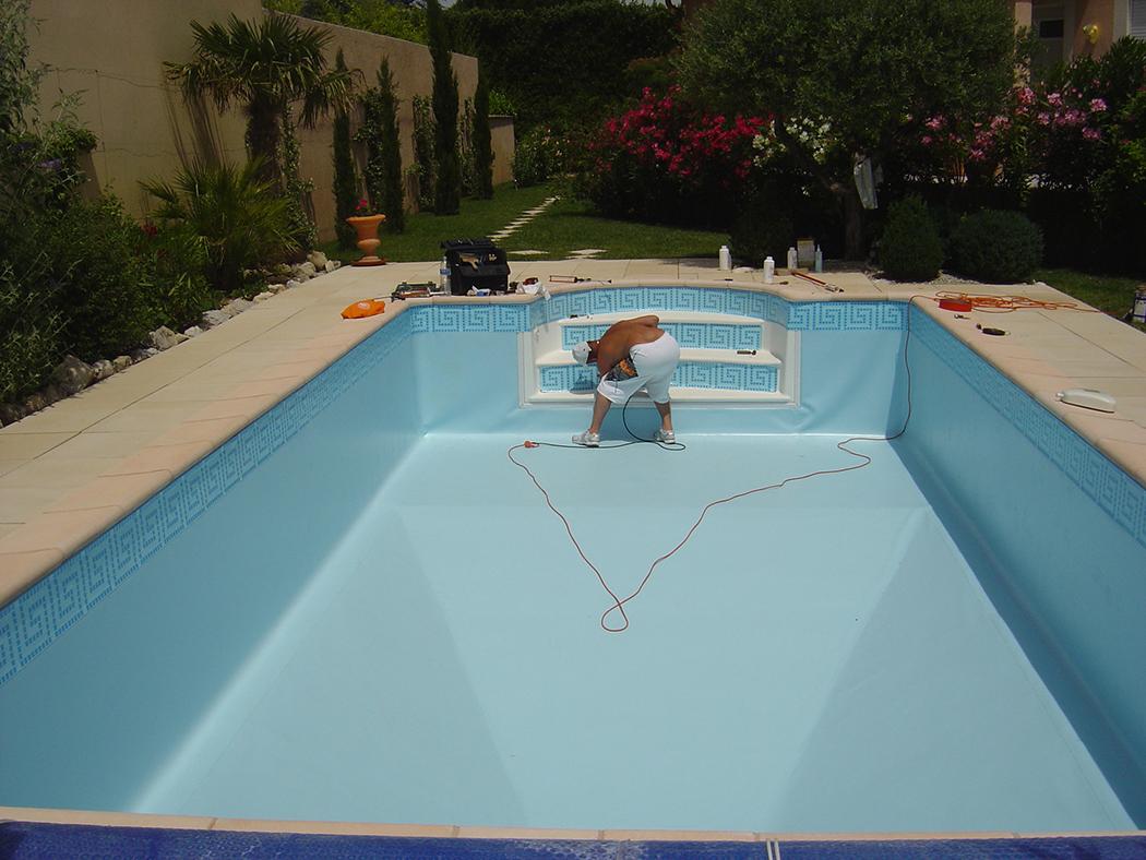 Acryl piscine coque de piscines dans les alpes maritimes - Oreille bouchee piscine ...